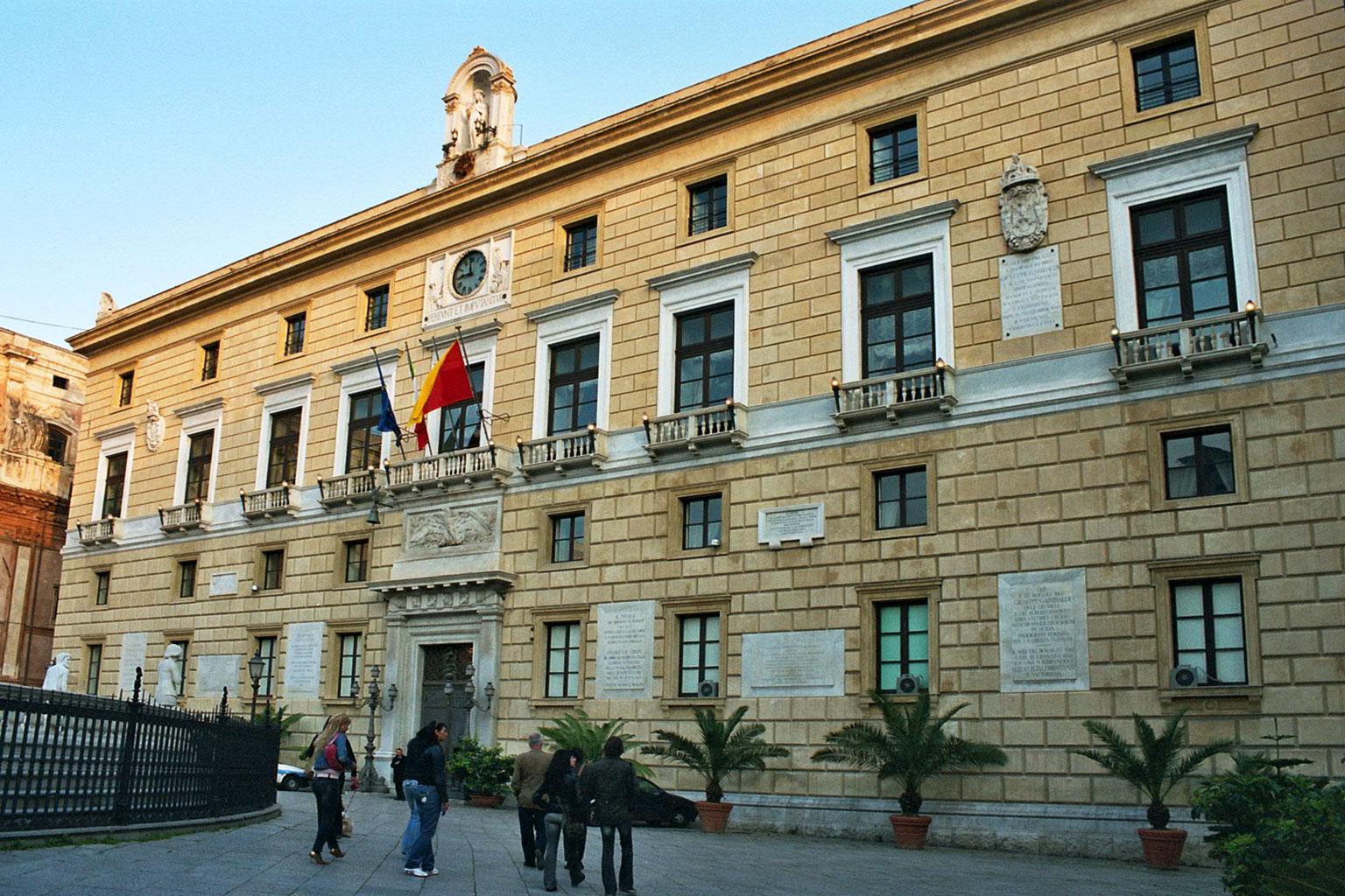 Palermo Palazzo Pretorio bjs2007 01